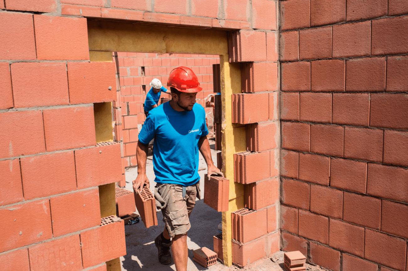Ergocoaching op de werf voor Durabrik bouwvakkers