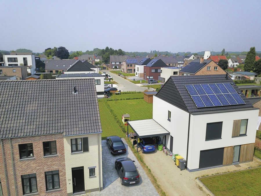 Huis met zonnepanelen in Kessel